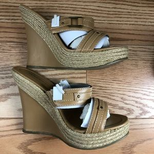 NWT CLASSIFIED Tan Blond Heel Sandal with Open Toe